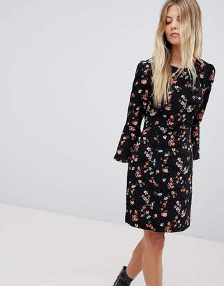 Oasis Floral Printed Fluted Sleeve Midi Dress