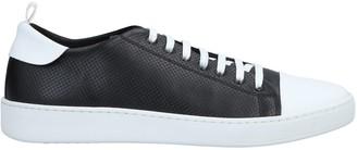 Ylati Sneakers