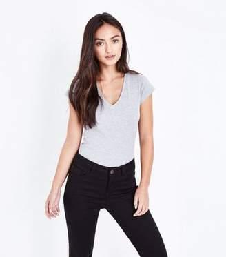 New Look Petite Grey V Neck T-Shirt