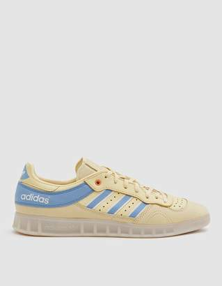 adidas Handball Top Oyster Sneaker in Easy Yellow/Ash Blue