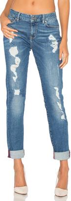 Tommy Hilfiger TOMMY x GIGI Venice Jeans $185 thestylecure.com