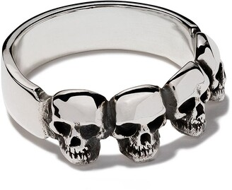 The Great Frog four skull ring