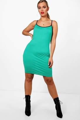 at boohoo boohoo Plus Esther Contrast Binding Bodycon Dress