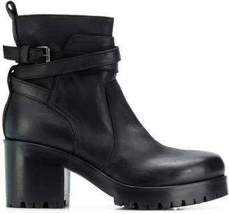 Strategia block-heel ankle boots