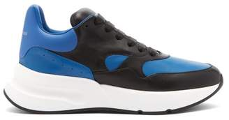 Alexander McQueen Runner Raised Sole Low Top Leather Trainers - Mens - Black Blue