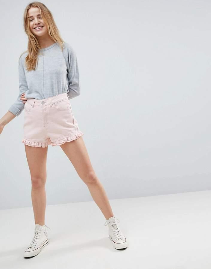 DESIGN – Jeans-Shorts in verwaschenem Rosa mit Rüschensaum