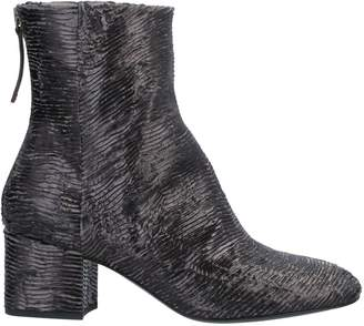 Goffredo Fantini Ankle boots