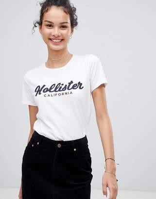 Hollister embroidered logo t-shirt