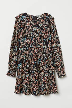 H&M Patterned Ruffled Dress - Black