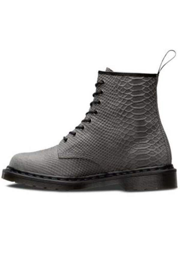Dr. MartensDr Martens Classic 8 Hole Boot