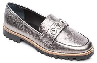 180bb6009c4 Bernardo Women s Ozzy Round Toe Grommet Leather Loafers