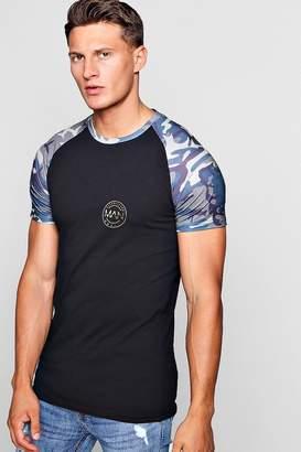 boohoo Muscle Fit Camo Print Raglan MAN T-Shirt