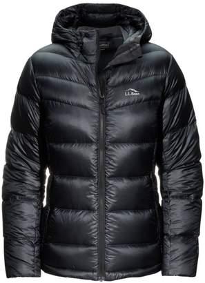L.L. Bean L.L.Bean Women's Ultralight 850 Big Baffle Hooded Puffer Jacket