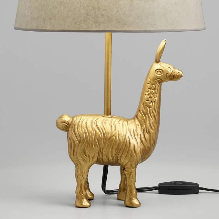 dorm room design, teen room design, girl dorm, girl teen, home decor, interior design, back to school room refresh, world market llama lamp