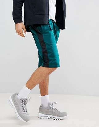 New Look Shorts In Forest Green