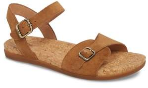 UGG Mae Sandal