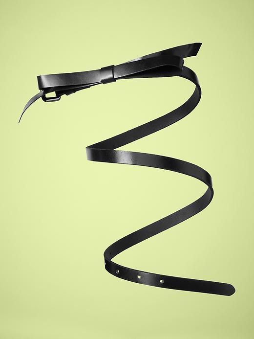 Skinny bow belt