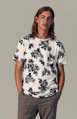 GUESS Pacsun Jezreel Floral Scallop T-Shirt