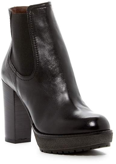 Manas Leather Ankle Boot