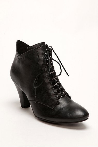 Granny Laced Heel Boot