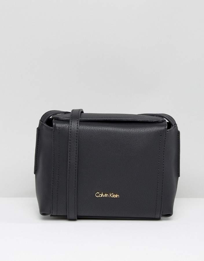 Calvin KleinCalvin Klein Small Cross Body Bag