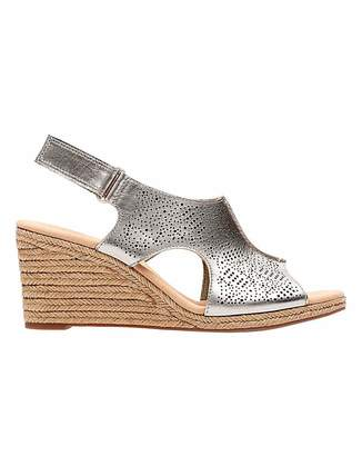 7581f9fe1b50 Clarks Shoes Metallic - ShopStyle UK