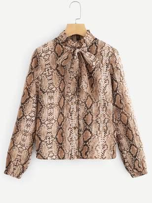 095aa3a2ce0751 Shein Tie Neck Snake Print Blouse