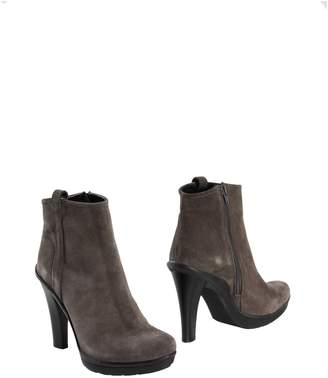 Mare Ankle boots