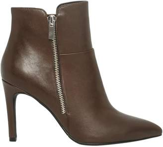 Le Château Women's Pointy Toe Leather Ankle Boot
