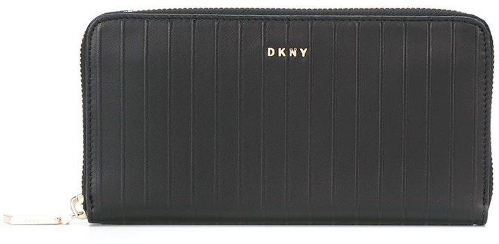 DKNYDKNY long wallet