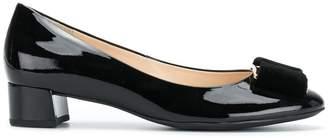 Högl bow heeled pumps