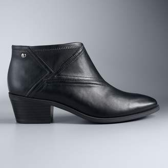 Vera Wang Simply Vera Magpie Women's Ankle Boots