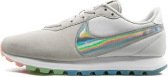 Nike Womens Pre-Love O.X. Shoes - Size 8.5W