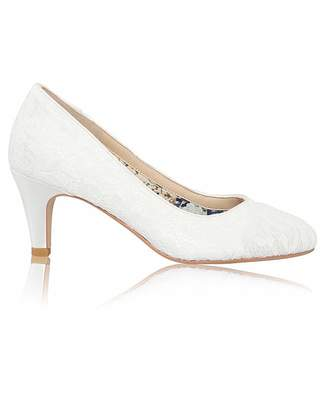 Perfect Erica Lace Mid Heel Court