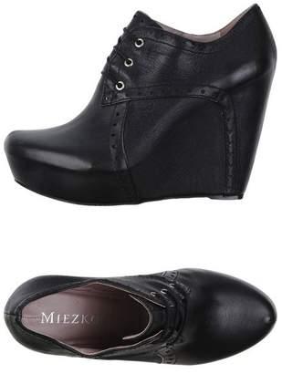 Miezko Lace-up shoe
