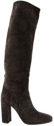 Michel Perry Brown Suede Boots
