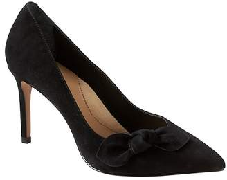 Banana Republic Madison 12-Hour Suede Bow Pump