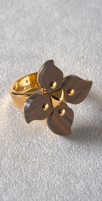 Juicy Couture Size 6, Flower Ring with Stud