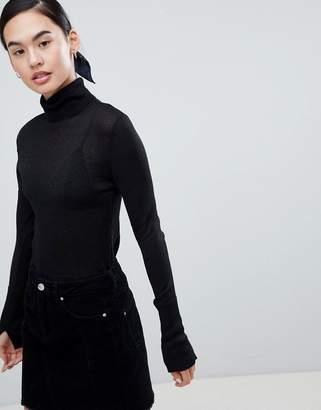 Only Darling Lightweight Turtleneck Sweater