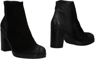Elena Iachi Ankle boots - Item 11488548LJ