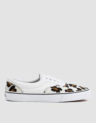 Vans Era Sneaker in Leopard/True White