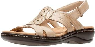 Clarks Leisa Vine Low Wedge Sandal - Sand