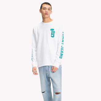 Tommy Hilfiger Logo Long-Sleeve T-Shirt
