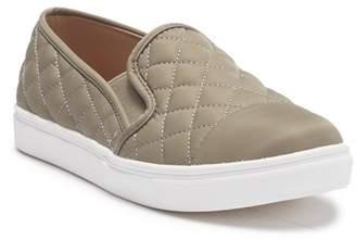 Steve Madden Zaander Slip-On Sneaker