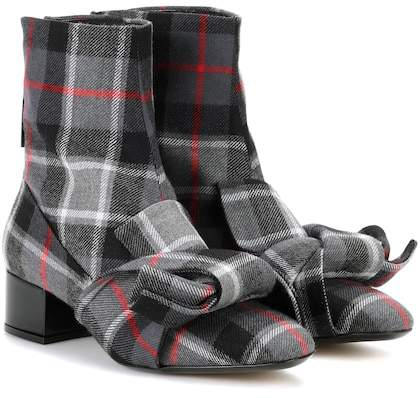 N°21 Checked ankle boots