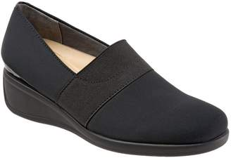 Trotters 'Marley' Slip-On Wedge Pump