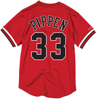 Mitchell & Ness Men's Scottie Pippen Chicago Bulls Name and Number Mesh Crewneck Jersey