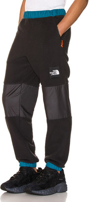 The North Face Black Box Denali Fleece Pant in Blue Coral & TNF Black | FWRD