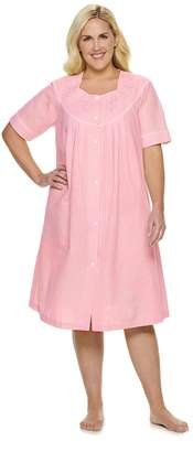 Miss Elaine Plus Size Essentials Short Seersucker Snap Robe