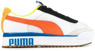 Puma contrast logo sole sneakers